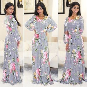 Dresses & Skirts - Venechia floral print maxi